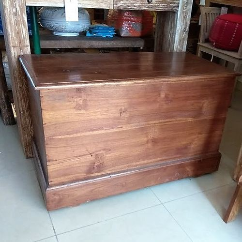 Small Chest with Wheels