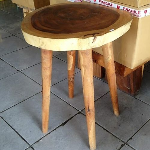 Bar Suar Table