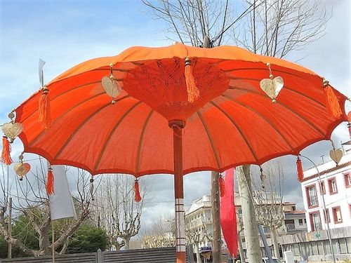 Orange Balinese Umbrella Ø 130 Folding Mast