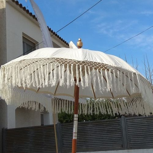 Cream Balinese Umbrella Ø 130 Folding Mast with Fringe